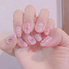 . . . 最近ネイル出来てないからやりたい もうこんなピンクなの出来ないけど . #セルフネイル #selfnail #nailstagram #pinknail #heart #love #perl #ネイルデザイン #ネイル💅 #kawaii #かわいいものが好き #ジェルネイル