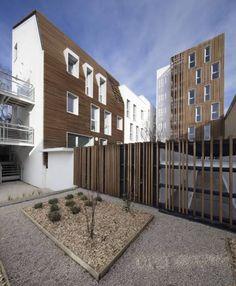 à Bezons, l'Avenue Gabriel Peri accueille un nouveau programme immobilier qui constitue un subtil trait d'union entre les maisons environnantes et les bâtiments de cinq étages situés un peu plus loin. En effet, l'architecte Gemaile Rechak propose un projet intuitif aux diverses qualités