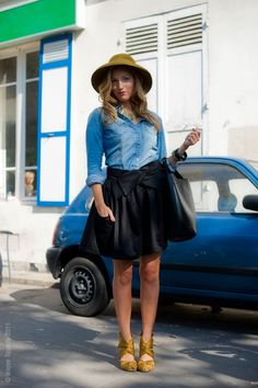 yellow shoes, navy skirt, denim shirt... I might not choose these exact pieces, but I like the way it all looks together.