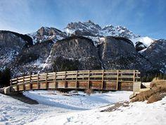 Ten excellent winter snowshoe adventures near Calgary Alberta Canada #hiking