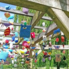 A selection of The Brilliant Birds in the Yarnstorm in Rowntree Park, York, really were brilliant and we had loads of . Hula Hoop Weaving, Extreme Knitting, Knitted Owl, Finger Knitting, Bird Patterns, Project Yourself, Magazine Design, Design Crafts, Wind Chimes