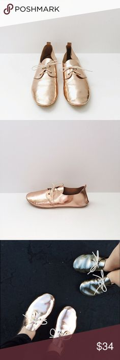 Zuzii Rose Gold Oxford Metallic rose gold oxford by Zuzii. Only worn once. Zuzii Shoes Flats & Loafers