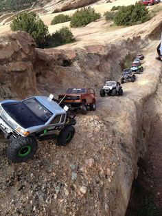 Out at Vasquez Rock on the 1st of March 2015. Lots of cool Axial Scx10  and a couple of Wraith's