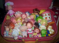 LOT OF VINTAGE STRAWBERRY SHORTCAKE DOLLS