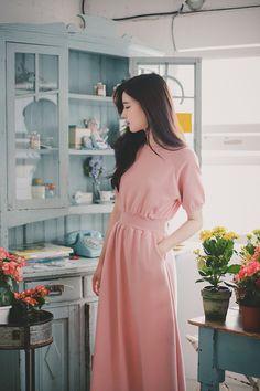 Korean Fashion Dress, Modest Fashion, Fashion Dresses, Long Skirt Outfits, Long Skirts, Hair Sketch, Asia Girl, Everyday Dresses, Elegant Dresses