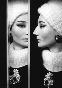 Richard Avedon :: Jacqueline de Ribes, Paris, July 1960 / more [+] by this photographer