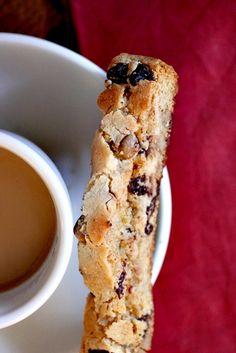 Cappuccino Biscotti - Smells Like Home Italian Christmas Cookie Recipes, Italian Cookie Recipes, Sicilian Recipes, Italian Cookies, Italian Desserts, Sicilian Food, Italian Foods, Biscotti Cookies, Biscotti Recipe