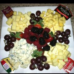 Fruit and Cheese Platter smart idea to put labels Cheese Fruit, Wine Cheese, Cheese Platters, 50th Birthday Party Themes, Platter Ideas, Party Platters, Entertainment Ideas, Food Platters, Appetisers
