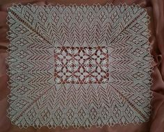 A center part is crochet.