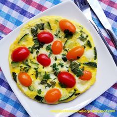 Ziołowy omlet z cukinią i mozzarellą - 358 kcal Flat Belly, Mozzarella, Vegetable Pizza, Weight Loss, Vegetables, Food, Flat Stomach, Flat Tummy, Losing Weight