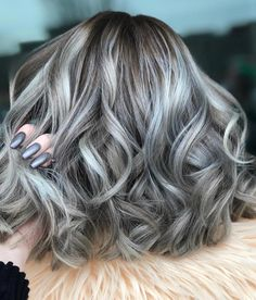 @amethystylist is the artist... Pulp Riot is the paint.    #pulpriothair #hair #haircolor #balayage #hairstyle #silver