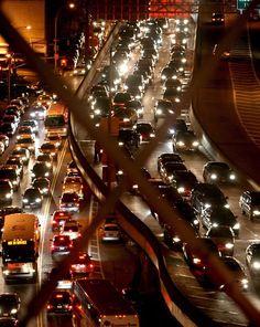 """#USA,Il Governo chiede alle aziende la modalità """"auto""""per gli #smartphone.Blocca l'uso di app mentre si è al volante.  http://www.ansa.it/sito/notizie/tecnologia/software_app/2016/11/24/smartphoneusa-pensano-a-modalita-auto_93bc49f5-0ed2-4224-a724-4b972962f1fe.html"""