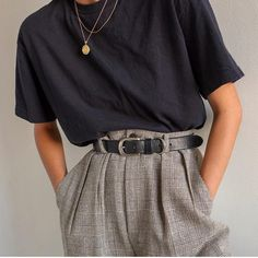 Das Grau im Perlmutt-Look Mode Mode Klassiker Basic Hose M … – The Gray in Mother of Pearl Look Fashion Fashion Classic Basic Pants M … Look Fashion, 90s Fashion, Korean Fashion, Autumn Fashion, Fashion Outfits, Fashion Clothes, Fashion Pics, Classic Fashion, French Fashion