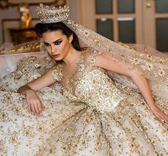 ♥ ~ ♥ Gold and White ♥ ~ ♥ Dream Wedding Dresses, Bridal Dresses, Wedding Gowns, Flower Girl Dresses, Queen Wedding Dress, Wedding Lingerie, Princess Wedding, Bouquet Wedding, Wedding Nails