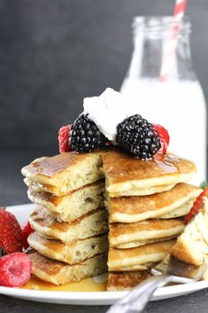 Best Gluten Free Buttermilk Pancakes recipe, ( used bob's red mill in the blue bag.) the only recipe you'll ever need for classic buttermilk pancakes that are light and fluffy. Just 77 calories per pancake! Gluten Free Treats, Gluten Free Baking, Gluten Free Desserts, Dairy Free Recipes, Gf Recipes, Easy Recipes, Healthy Recipes, Dairy Free Pancakes, Pancakes Easy