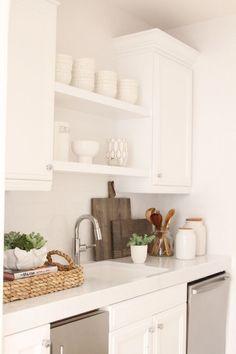 White kitchen + styling — Owens and Davis Kitchen Staging, Kitchen Interior, New Kitchen, Kitchen Dining, Kitchen Decor, Organizing Kitchen Counters, Decor For Kitchen Counters, Kitchen Counter Inspiration, Kitchen Cabinets