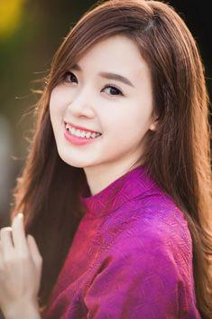 India Beauty, Asian Beauty, Ao Dai, Beautiful Asian Girls, Asian Woman, Hot Girls, Girl Fashion, Boutiques, Stars