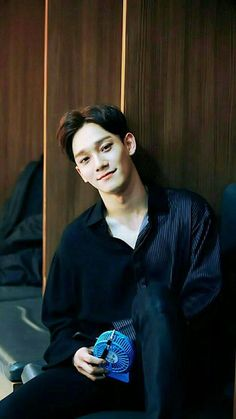 Chen:seni gördüğünde konserdedir sende en öndesin ve seni gördüğü an gözünü senden alamaz sana bakmaktan karografiyi unuttuğu için üyeler Chen'e kızmıştır Kai, Daejeon, Baekhyun Chanyeol, Exo Korea, Luhan And Kris, Xiuchen, Kim Jong Dae, Exo Ot12, Kim Minseok