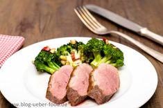 Rosa gebratene Entenbrust mit scharfen Broccoli