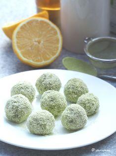 Vegan Protein Balls Recipe, Protein Smoothie Recipes, Smoothie Diet, Smoothies, Roh Vegan, Energy Balls, Vegan Sweets, Dessert Recipes, Low Carb