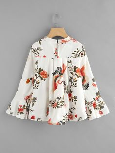 Fluted Sleeve Floral Print Pleated Front Blouse SheIn(Sheinside) is part of Fashion dresses - Frock Fashion, Batik Fashion, Dresses Kids Girl, Girl Outfits, Fashion Outfits, Kurta Designs, Blouse Designs, Blouse Styles, Kids Frocks Design
