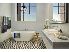Stunning Sunday: Darren and Dee's house is on the market/ bathroom