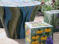 . . . Cabin & Cottage : A Mosaic Garden