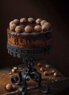 Ferrero Roche chocolate gateau.//