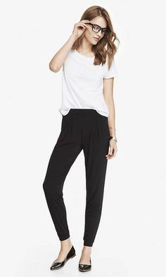 b99d86c69de0 NWT Express Black Pull-on Pleated Soft Drapey Jersey Ankle Crop Jogger  Pants M  Express  CasualPants