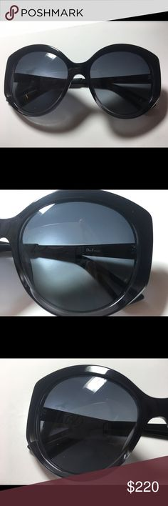 Christian Dior DiorExtasel Sunglasses, Black PRODUCTS NAME:Dior Sunglasses Extase 2 Sunglass GENDER: Women FRAME :Black with grey arms and black earsocks LENS : Dark Grey MANUFACTURERS CODE:Extase 2 OSG HD 56 LENS SIZE: 56mm ARM SIZE:140mm BRIDGE SIZE: 17mm FRAME MATERIAL Acetate (Plastic) CONDITION: Pre-Owned, with excellent condition, barely used, with very slight sign of use. Has original Box and hard frame case. Dior Accessories Sunglasses