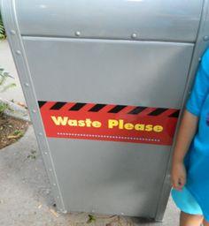 Disney Hollywood Studios Trash Cans {www.thedisneykids.com} #DisneyWorld #HollywoodStudios #DisneyTrashCans