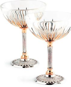 Unreal- John Calleija designed a pair of ornate champagne glasses decorated with 1700 diamonds, both white and rare argyle pink