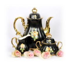Vintage Tea Set by AntiqueBoutiqueIdeas ***This really beautiful tea set has moved to Great Britain.