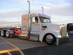 Freightliner Coronado 3 Axle...