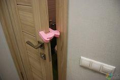 Стопор двери, чтобы не закрылась в отсутствие хозяев (Леруа Мерлен).