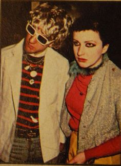 1976 100 Club: Captain Sensible (The Damned) and Shanne Bradley (The Nipple Erectors and The Men They Couldn't Hang) 70s Punk, Punk Goth, One Wave, The New Wave, Photo Rock, Goth Glam, Glam Slam, The Blitz, Rocker Style