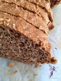 Az etalon még mindig a klubból hozott kenyér recept, most annyiban mókáztam vele, hogy mandula helyett dióval készítettem, és kicsit variáltam a...