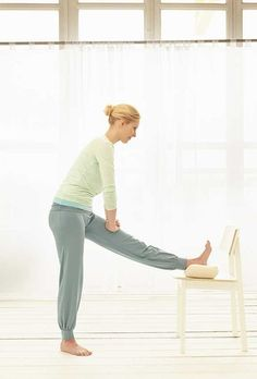 Ejercicios en casa: Mantente en forma haciendo ejercicio con una silla - Foto 5