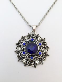 """White Snap Pendant with Blue Snap Insert 20mm (With 20"""" Stainless Steel Chain)"""