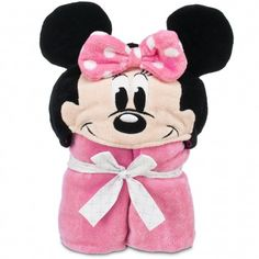 Make a splash at bathtime with this personalizable Minnie towel. #DisneyBaby