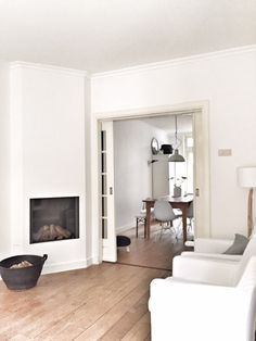 Style At Home, Room Inspiration, Interior Inspiration, White Fireplace, House Inside, Cottage Homes, Home Furnishings, Living Spaces, Living Room