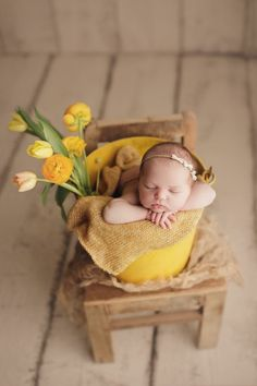 Newborn Photography - Shooting Great Photos Is Only A Few Tips Away Foto Newborn, Newborn Baby Photos, Newborn Posing, Newborn Photo Props, Newborn Pictures, Newborn Session, Newborn Twins, Newborns, Newborn Photography Poses