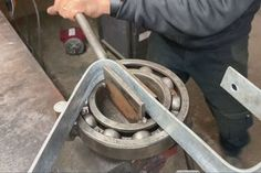 How to Make a Powerful Metal Bender : 5 Steps (with Pictures) - Instructables Metal Bending Tools, Metal Working Tools, Metal Tools, Metal Art Projects, Welding Projects, Welding Art, Blacksmith Projects, Welding Table, Wood Router