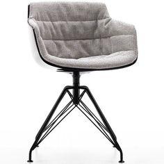 MDF Italia Flow Slim Chair gestoffeerde stoel met LEM onderstel. Deze stoel is een fijne huisgenoot, maar ook als collega op kantoor, aan de vergadertafel of als stamgast in het café is de Flow Slim Armchair al snel onmisbaar. #MDFitalia #stoel #design #Flinders