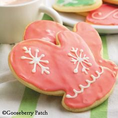 Gooseberry Patch Recipes: Sugar Cookie Mittens from 101 Christmas Recipes
