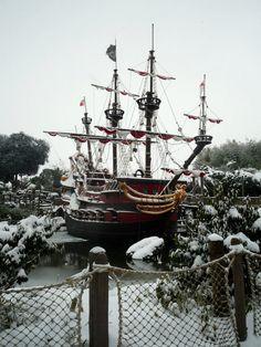 Disneyland Paris' Jolly Roger (Christmas Season 2012)