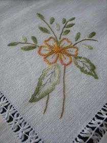 Hand Embroidery Projects, Baby Embroidery, Embroidery Works, Embroidery Patterns Free, Hand Embroidery Stitches, Silk Ribbon Embroidery, Vintage Embroidery, Embroidery Techniques, Machine Embroidery