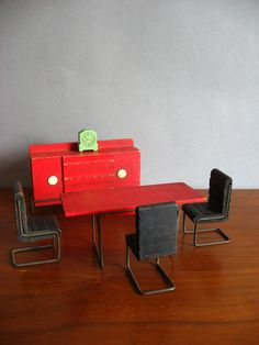 mid century modern doll house furniture. I think I'm in love with dollhouses now.