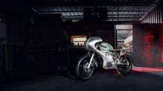 Honda CM400 by Junior Burrell