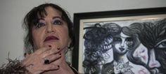 La artista Zaida del río inauguró una exposición sobre los versos libres de José Martí.